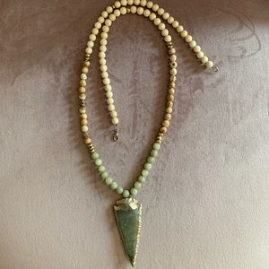 Jewelry - Natural stone and wooden beaded clasp necklace